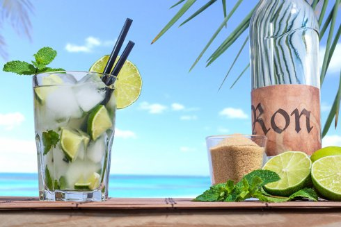 Mojito%20on%20the%20beach-iStock-01