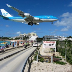 Seven of the Coolest Images of Planes Landing at SXM