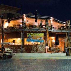 Isla Mujeres Beach Bar For Sale – Jax Bar And Grill