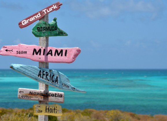 Five Favorite Caribbean Beach Bars From Porthole.com