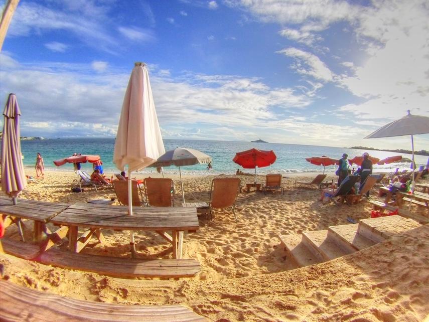 Karakter Beach Bar, Simpson Bay, St. Maarten