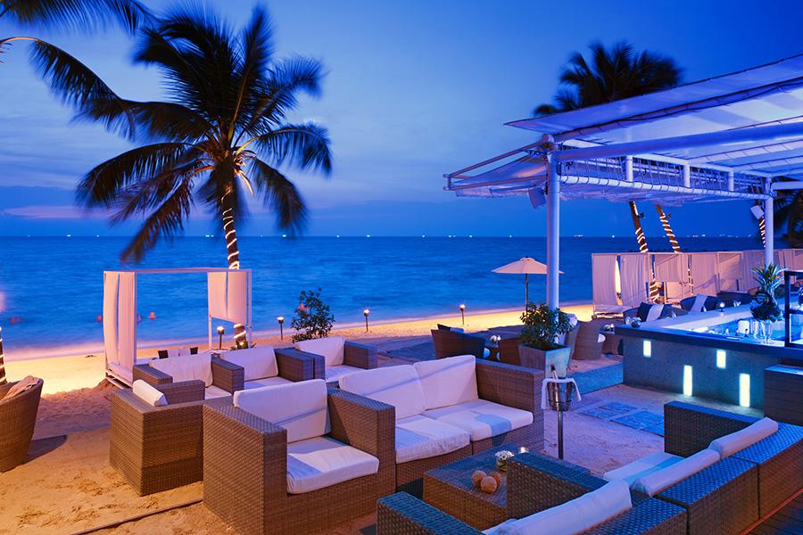 Beach Bar at the Pullman Pattaya Hotel G, Thailand