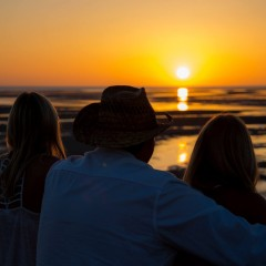 Beach Bar Playlist: Ed Waters Music ft. Nick Nicholson – Countin' Down To Sunset