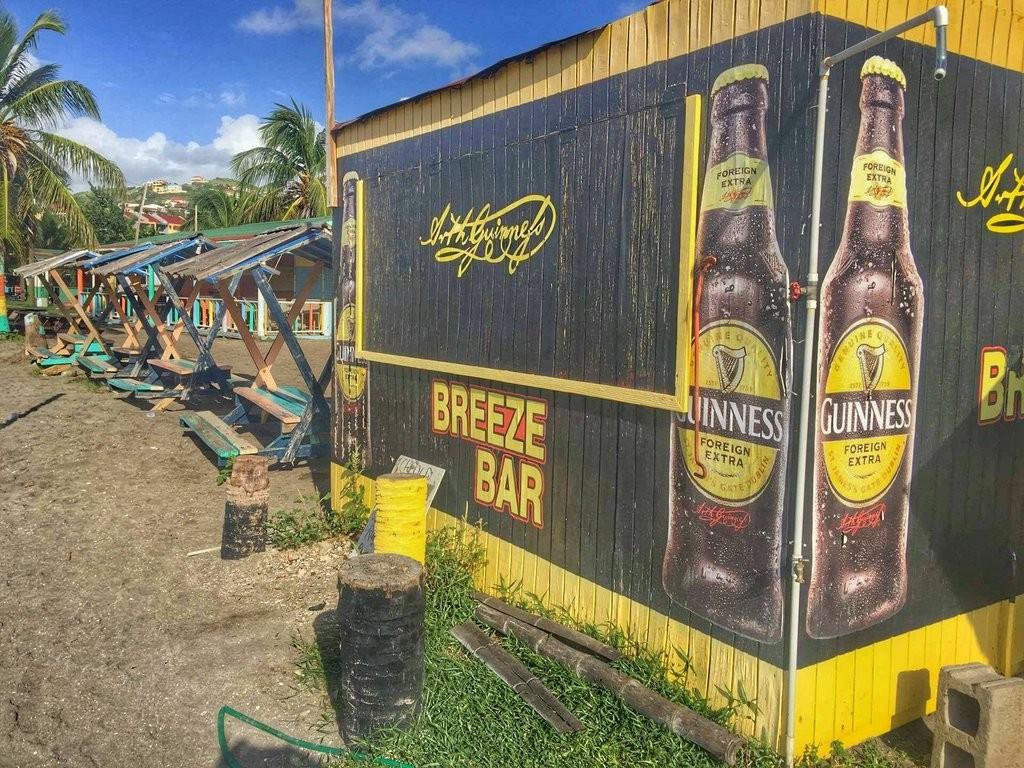 Breeze Bar, beach bar on the Strip in St. Kitts