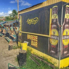 Instagram Monday: Beach Bar Art – It's a Thing