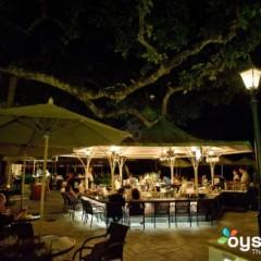 Hawaii Beach Bars – The Beach Bar at the Moana Surfrider, Waikiki Beach, Honolulu