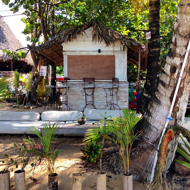Beach bar at Tam Tam Restaurant, Las Terrenas, DR. Credit http://instagram.com/larissantoro
