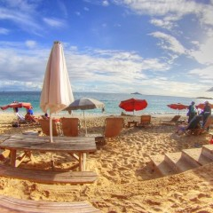 Karakter Beach Bar – All the Character You Need in St. Maarten