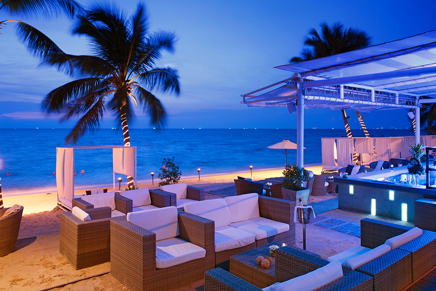 Beach Bar at the Pullman Pattaya Hotel G, Thailand