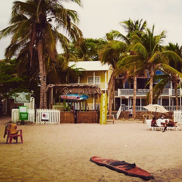 Peru beach bar. Photo credit https://instagram.com/kelisk