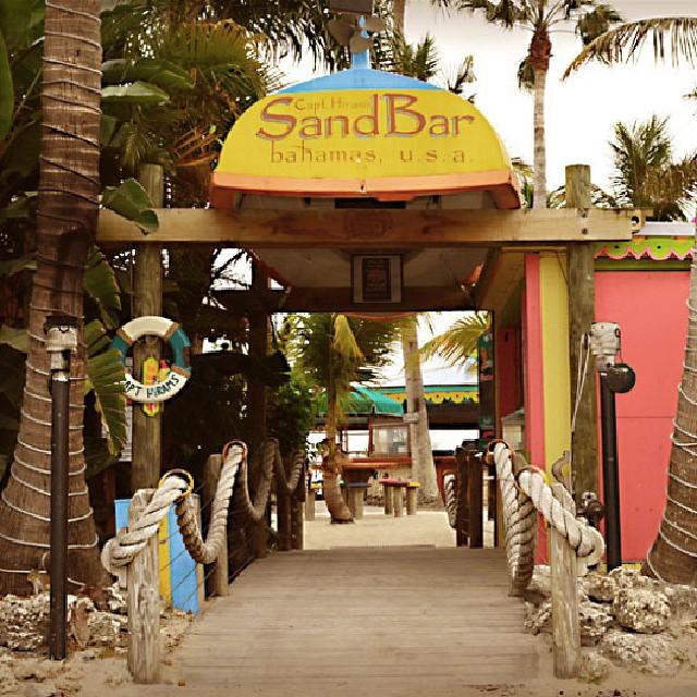 Capt. Hiram's SandBar image by Instagram user @beachesbarsandbungalows