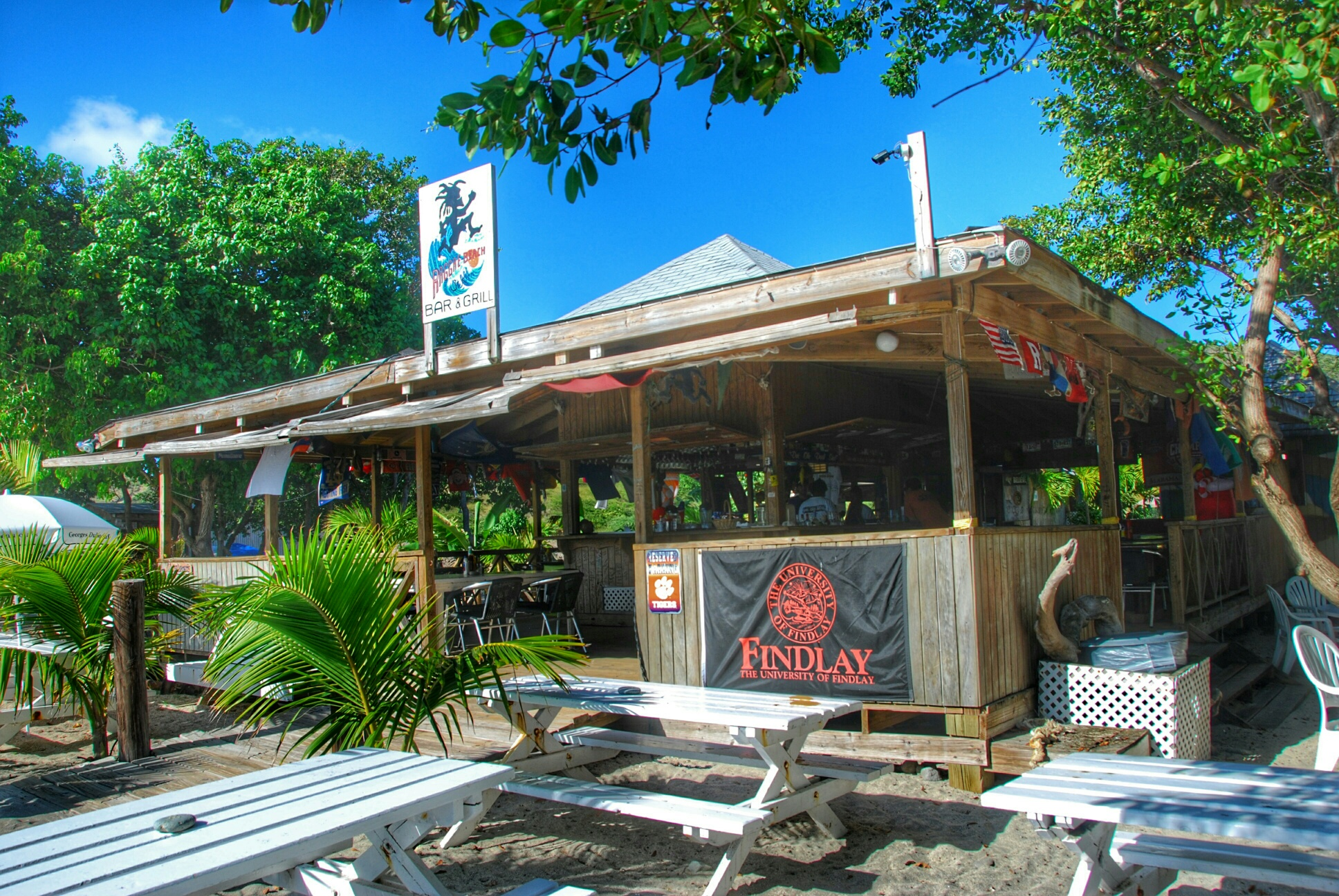 Reggae Beach Bar St Kitts