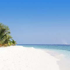 Beach Thursday Pic of the Week – The Blues and Whites of the Maldives