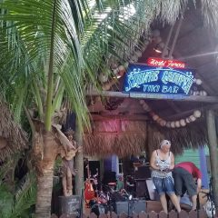 Beach Bar Spotlight – Square Grouper Tiki Bar, Jupiter, Florida