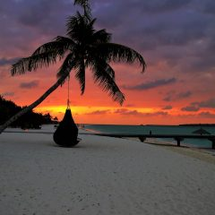 Two Minutes of a Maldives Beach Bar Sunset