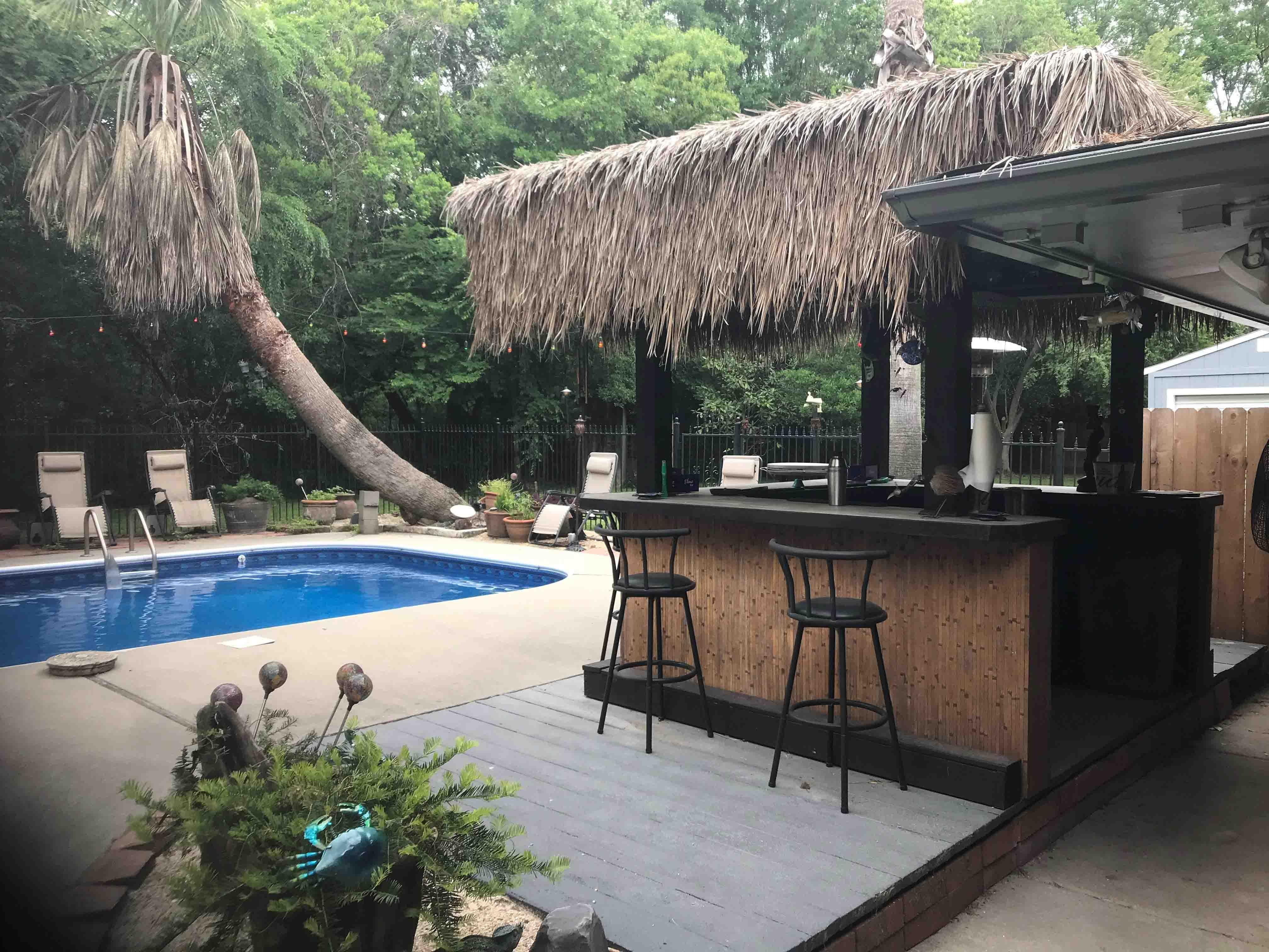 We built our own beach bar jack buckner s fish and sips for Backyard beach ideas