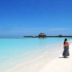 Beach Thursday Pic of the Week – A Maldives Walk