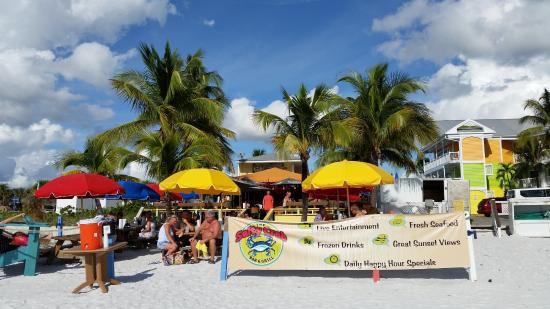 salty crab, ft myers beach, florida, beach bar