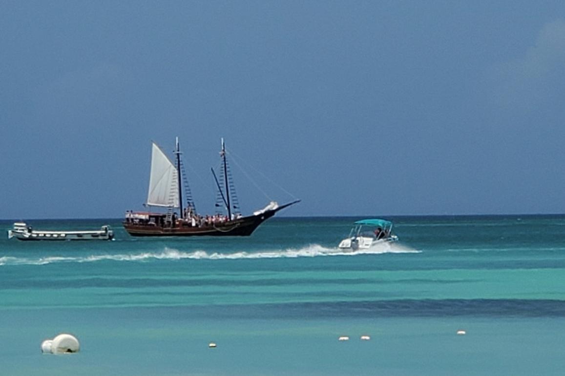 beach bar, aruba, caribbean