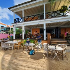 Curacao Beach Bars – Keeping An Open Heart