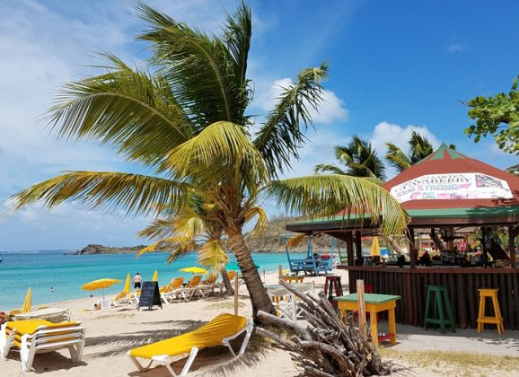 A Bunch of Beach Bar Videos to Distract You From Whatever